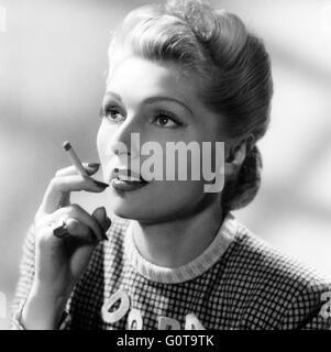 Simone Renant / Quai des Orfèvres / 1947 directed by Henri-Georges Clouzot (Majestic-Film) - Stock Image