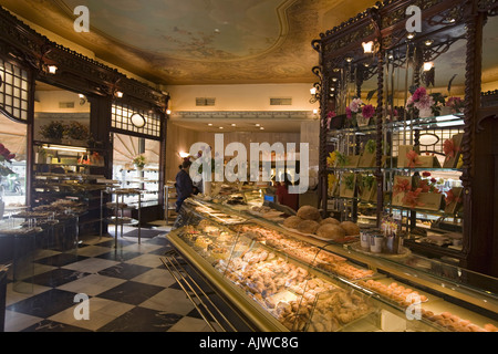 Barcelona Cafe Mauri interieur - Stock Image