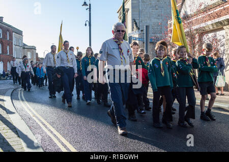 Trowbridge, Wiltshire, UK. 11th Nov, 2018. Scouts and cubs in remembrance parade Credit Estelle Bowden/Alamy Live news - Stock Image