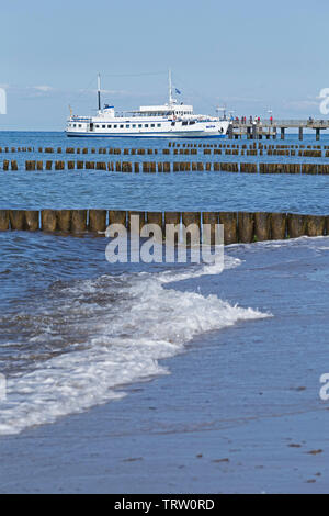 passenger ship at the pier, Kuehlungsborn, Mecklenburg-West Pomerania, Germany - Stock Image