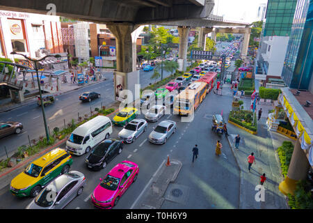 Phayathai Road, at Rachathewi BTS Station, Rachathewi, Bangkok, Thailand - Stock Image