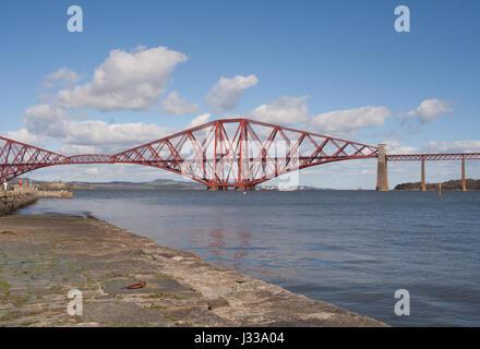 Forth Rail Bridge, South Queensferry, Edinburgh - Stock Image
