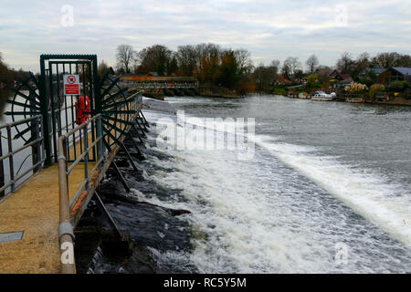 Wier, Thamesmead, Surrey, United Kingdom - Stock Image