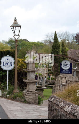 Exterior view of Leal's Tea Gardens, Godshill, Isle of Wight - Stock Image