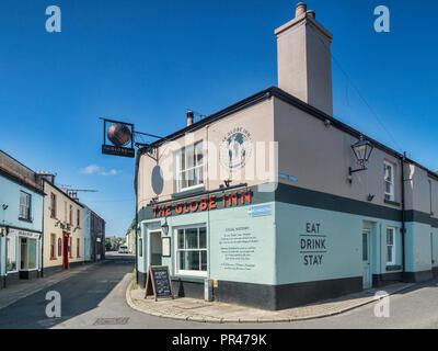 28 May 2018: Buckfastleigh, Devon, UK - The Globe Inn. - Stock Image