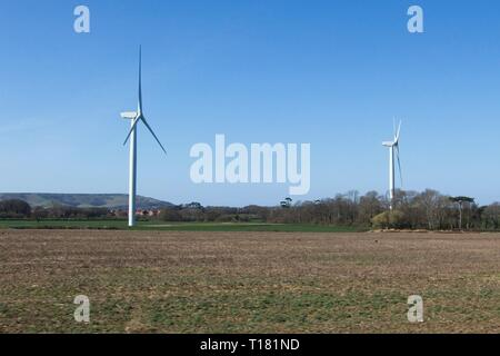 Stone Cross, UK. 24th Mar 2019. UK weather.  The South-East enjoys a return to fine weather with blue skies today as the sun shines in Stone Cross, East Sussex, UK. Credit: Ed Brown/Alamy Live News - Stock Image