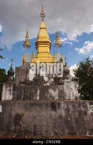 Wat Chom Si temple on Phou Si Hill, Luang Prabang, Laos PDR - Stock Image