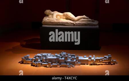 Settlement, Antony Gormley, and Sleeping Hermaphroditus, 2nd century BC, Essere Exhibition, Galleria degli Uffizi, Uffizi Gallery, Florence, Tuscany,  - Stock Image