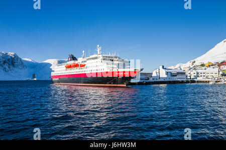 Hurtigruten Coastal Express cruise ship MS Richard With is berthed at Honningsvåg, Finnmark County, Norway. - Stock Image