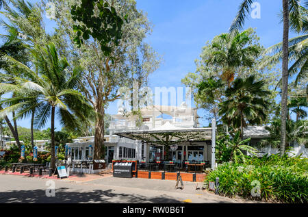 Sarayi Restaurant on the foreshore of trendy Palm Cove, Cairns Northern Beaches, Far North Queensland, QLD, FNQ, Australia - Stock Image