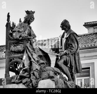 Monument to Queen Isabella and Columbus in the Plaza Isabel la Catolica, Granada, Granada Province, Andalusia, southern Spain.  The statue, by Spanish - Stock Image