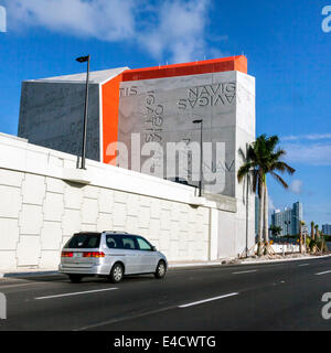 East facade of the Watson Island - MacArthur Causeway terminal for the 0.75 Port of Miami Tunnel under Biscayne - Stock Image