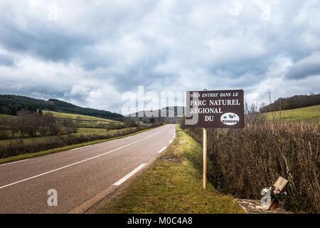 Sign at the entrance of the 'Parc Naturel Regional du Morvan' along the D980 in Bourgogne, France - Stock Image