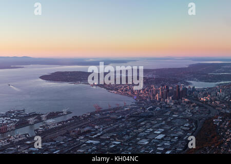 Aerial view of Seattle from the south at sunset - Stock Image