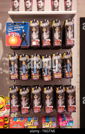 ELVIS PRESLEY Pez dispensers of sale at It'sugar, a candy by the pound chain store. In Greenwich Village, New York City. - Stock Image