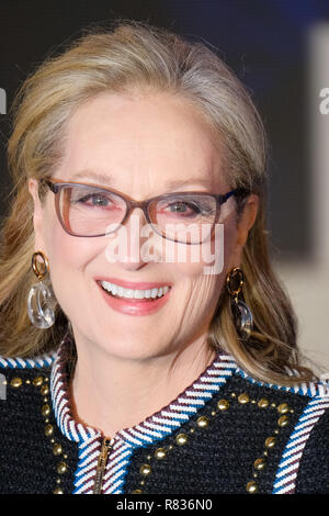 London, UK. 12th December, 2018. Meryl Streep at the European Premier of Mary Poppins Returns on Wednesday 12 December 2018 held at The Royal Albert Hall, London. Pictured: Meryl Streep. Credit: Julie Edwards/Alamy Live News - Stock Image