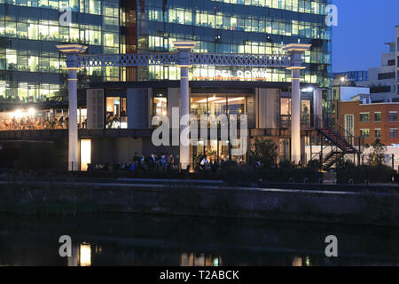 Chapel Down Gin Works & Restaurant on Regents Canal with Kings Place behind, in north London, UK - Stock Image