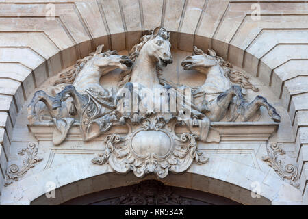 Sculpture on the exterior of the Musée Vivant du Cheval (Living Museum of the Horse) at Chantilly, Oise, France - Stock Image