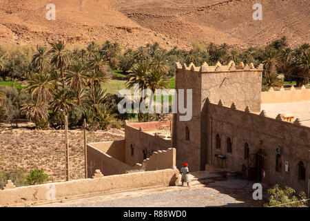Morocco, Ziz River Gorge, Guers Tiallaline, Kasbah style guest house - Stock Image