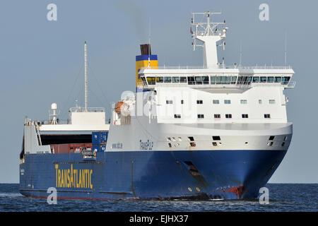 TransPulp passing Travemünde inbound for Lübeck - Stock Image
