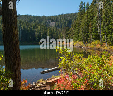 Hideaway Lake, in Oregon's Mt. Hood National Forest. - Stock Image
