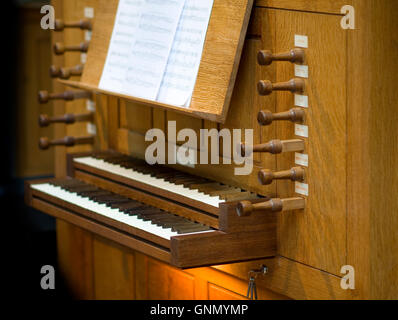Modern church organ in St Michael and All Angels Church in Stourport - Stock Image