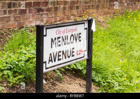 Menlove Avenue sign, not far from the  childhood home of John Lennon,  Woolton, Liverpool. The museum to the former singer/songwriter and member of Th - Stock Image