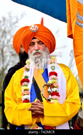 Gravesend, Kent, UK. 13th April. Vaisakhi (or Baisakhi / Vaishakhi / Vasakhi) annual Sikh festival celebrating the Punjabi New Year. Gravesend has a large Sikh community dating back to the 1950s. Before the procession at the Guru Nanak Temple Credit: PjrFoto/Alamy Live News - Stock Image