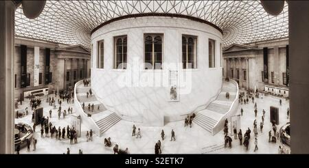 A panoramic view of The Great Court in The British Museum, London, England. In the centre is the Circular Reading Room. This World Famous Museum boasts free entry. Photo Credit - © COLIN HOSKINS. - Stock Image