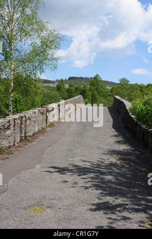 The old road bridge over the River Tummel at Tummel Bridge, Perthshire - Stock Image
