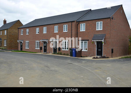 Cascade Road, Hook Norton, Oxfordshire a Taylor Wimpey development built in 2015/16 on agricultural land despite - Stock Image