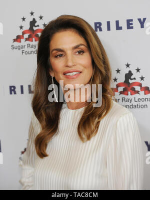 Beverly Hills, USA. 22nd May, 2019. Model Cindy Crawford attends Sugar Ray Leonard Foundation's 10th Annual 'Big Fighters, Big Cause' Charity Boxing Night at The Beverly Hilton Hotel on May 22, 2019 in Beverly Hills, California. Credit: The Photo Access/Alamy Live News - Stock Image