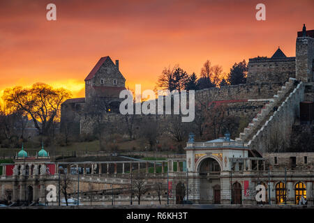 Budapest, Hungary - Amazing sunset at the Buda Castle Royal Palace with South Rondella and Varkert bazaar - Stock Image