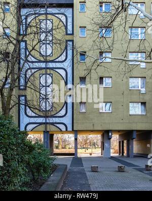 Kreuzberg-Berlin. Housing developemt, modern apartment building in Gitschiner Str. - Stock Image
