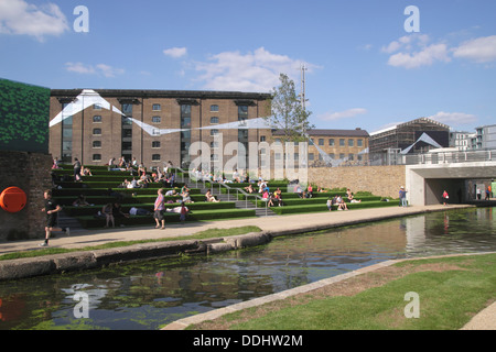 Regent's Canal and Granary Square Kings Cross London - Stock Image