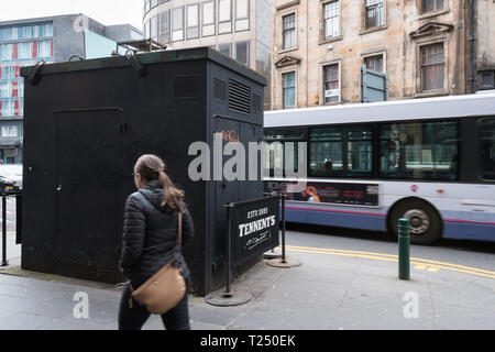 Hope Street Glasgow, Scotland's most polluted street - bus driving past Kerbside air quality monitoring site- Glasgow, Scotland, UK - Stock Image