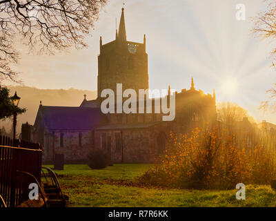 Wirksworth, Derbyshire Dales, Peak District, UK. 11th December, 2018. UK Weather: spectacular sunrise St. Mary's Church, Wirksworth in the Derbyshire Dales, Peak District National Park Credit: Doug Blane/Alamy Live News - Stock Image