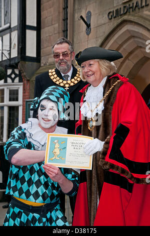 Andrew Mcanus receiving his Certificate from the Mayor, Councillor Jeanette Eagland, for winning the Masdcot's - Stock Image