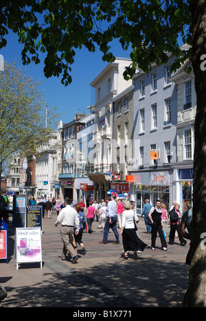 Shoppers on Gentleman's Walk, Norwich - Stock Image