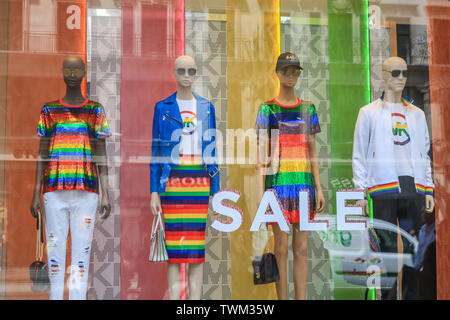 London, UK. 21st June, 2019. Mannequins in a shop window dressed in rainbow colours in preparation for the annual Pride celebration and LGBT equality and tolerance Credit: amer ghazzal/Alamy Live News - Stock Image