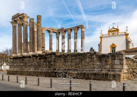 Roman temple, Evora, Alentejo, Portugal - Stock Image