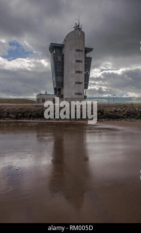 Aberdeen Shipping Control Centre on a cloudy day. - Stock Image