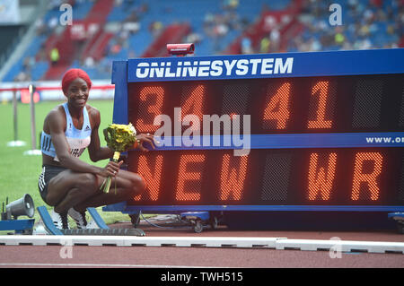 Ostrava, Czech Republic. 20th June, 2019. Bahamian sprinter Shaunae Miller-Uibo set a new world record in the untraditional 300 m run during the Ostrava Golden Spike, an IAAF World Challenge athletic meeting, in Ostrava, Czech Republic, on June 20, 2019. Credit: Jaroslav Ozana/CTK Photo/Alamy Live News - Stock Image