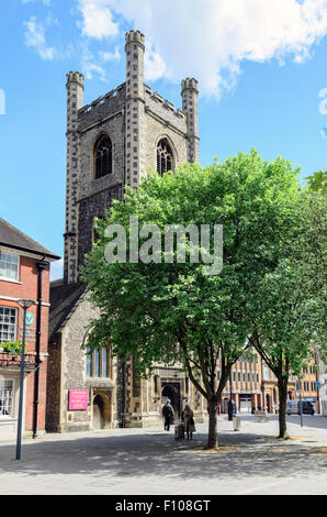 St Laurence Church in Reading Town Centre, Berkshire, England, UK. - Stock Image