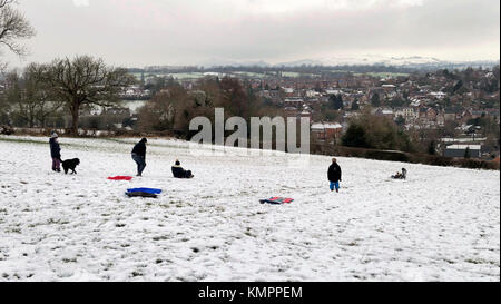 Ashbourne, Derbyshire, UK. 09th Dec, 2017. UK Weather: sledging fun in the snow above Ashbourne Derbyshire in the - Stock Image