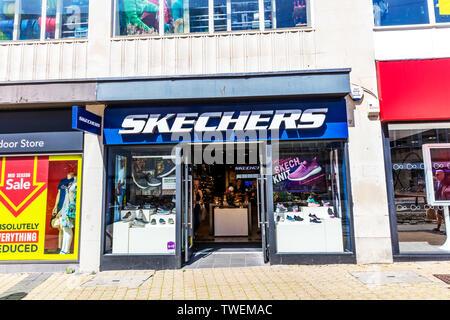 Skechers shoe shop, Plymouth, Devon, UK, England, Skechers shoe store, Skechers, shoes, Skechers logo, Skechers sign, Skechers shop front, - Stock Image