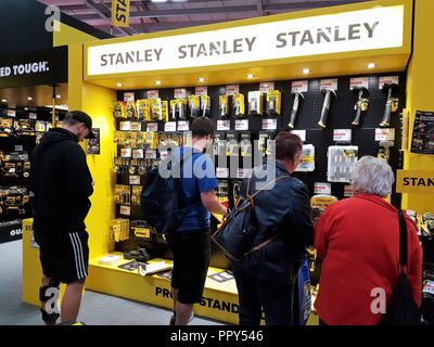 Farnborough International Exhibition Centre, Hampshire, UK - 28.09.2018 Day One of the annual Screwfix Live displaying new products to DIYers and tradespeople.  Tools and gadgets on show and demonstrates taking place throughout the day.  Credit:  Michelle Bridges / Alamy Live News. - Stock Image