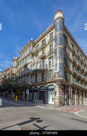 Carrer Gran de Gràcia, 74, 08012 Barcelona, Catalonia, Spain - Stock Image