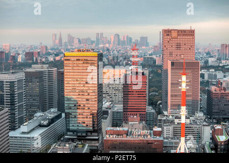 City view towards Shinjuku from Mandarin Oriental, Nihonbashi, Chuo-ku, Tokyo, Japan - Stock Image