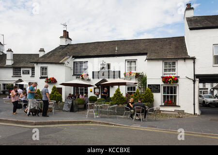 The Kings Arms hotel and restaurant, The Square, in the village of Hawkshead in Cumbria. - Stock Image